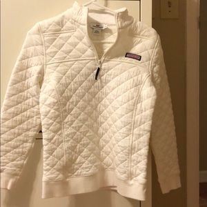 Vineyard vines ivory quilted pullover Size XS
